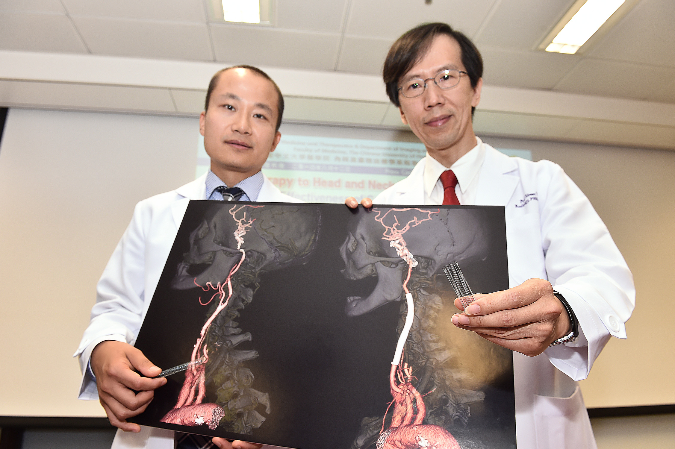 Dr. Thomas Leung (left), Lee Quo Wei Associate Professor of Neurology, Department of Medicine and Therapeutics