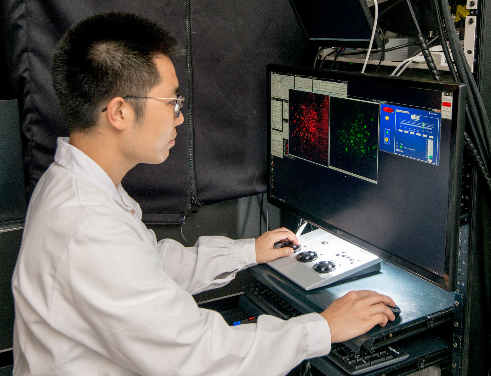 The Faculty has built a Hong Kong's first in vivo multiphoton microscope dedicated to the study of cerebral small vessel disease which will enhance the fundamental understanding of the underlying pathogenesis, the knowledge of which is crucial for the future development of novel therapeutics that can delay disease progression.