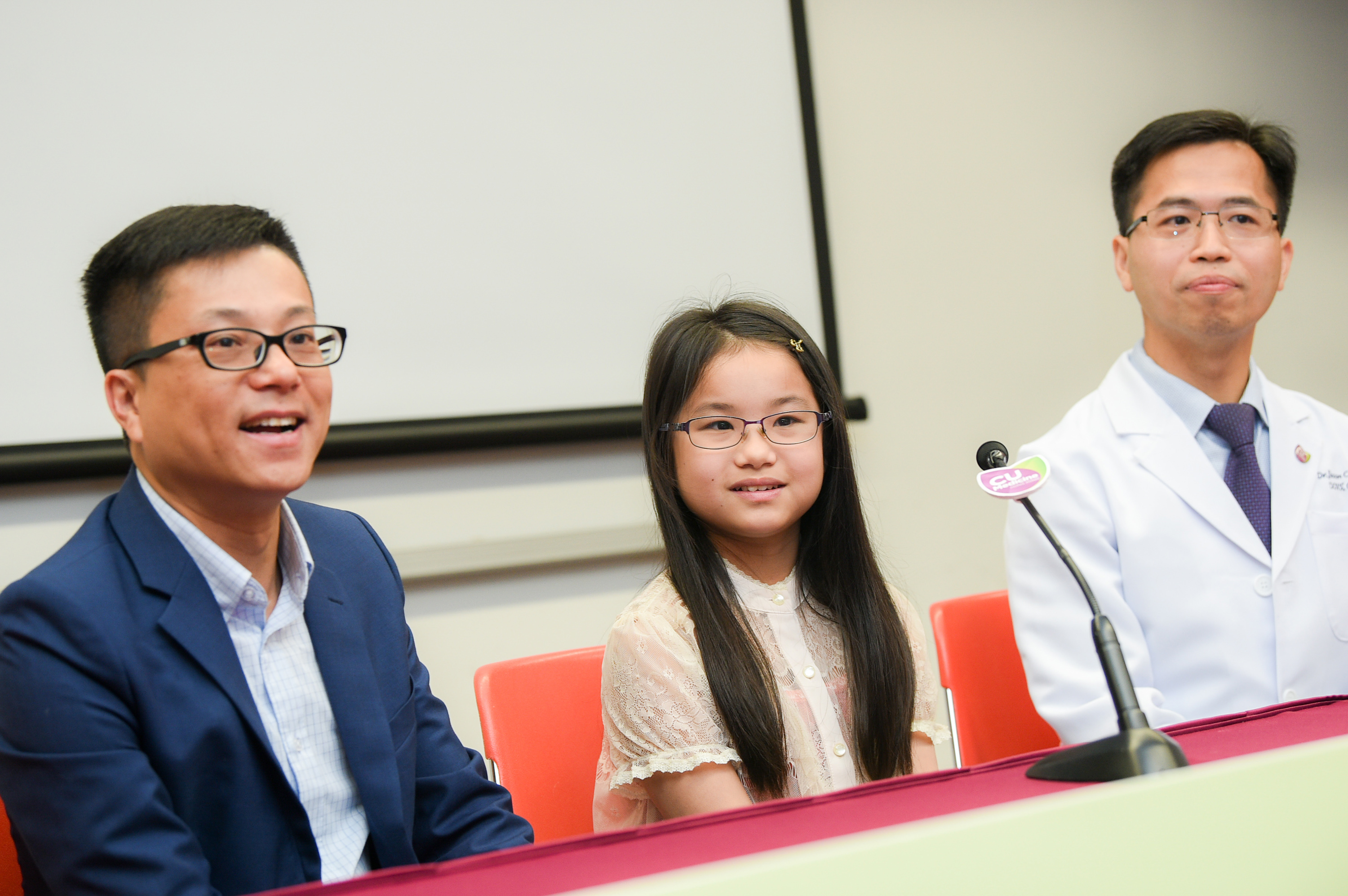 A CUHK study revealed that children of two parents with high myopia have 12 times the risk of developing myopia. LAMP study principal investigator Dr. Jason YAM (right) hopes the second phase of study can help prevent these children from myopia.